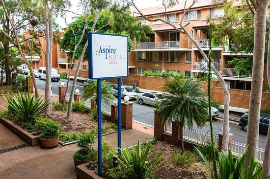 Metro Aspire Hotel Sydney: View from room