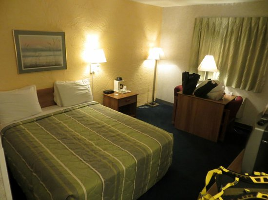 Motel 6 Elk Grove Village: Bedroom