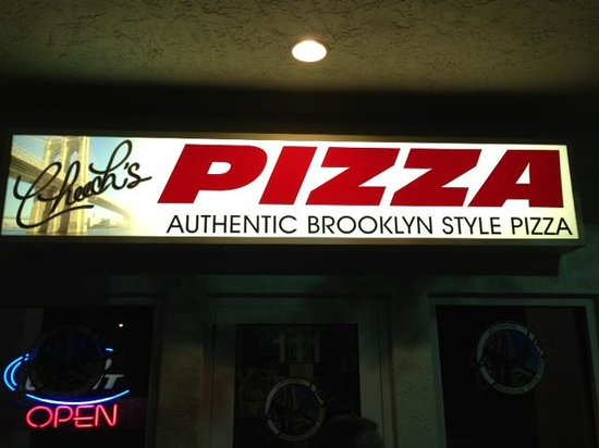 Cheech's Italian Restaurant and Pizzaria: Front of Cheech's Pizza
