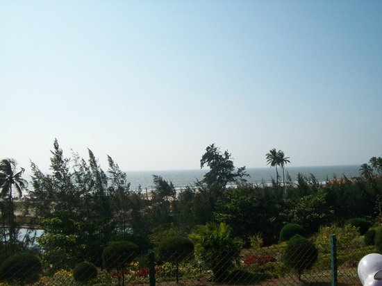Mandrem Beach: View from the road at Mandrem