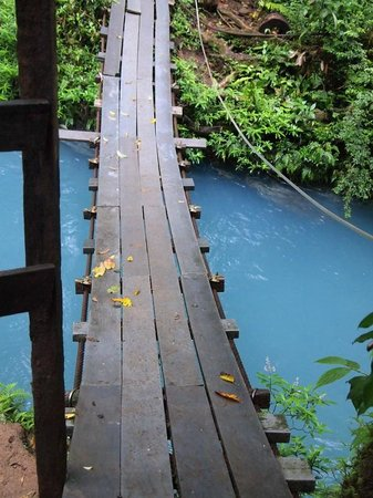 Rio Celeste Hideaway Hotel: bridge