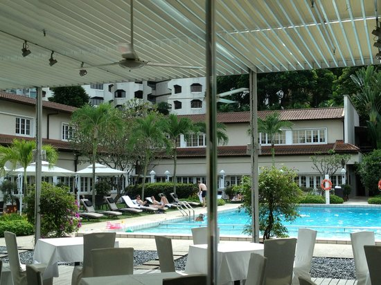 swimming pool picture of goodwood park hotel singapore. Black Bedroom Furniture Sets. Home Design Ideas