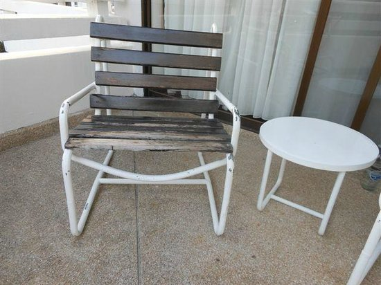 The Regent Cha Am Beach Resort: Obsolete balcony furniture 30 years old