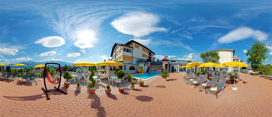 Ginas Baby & Kinderhotel: Outdoor Pool