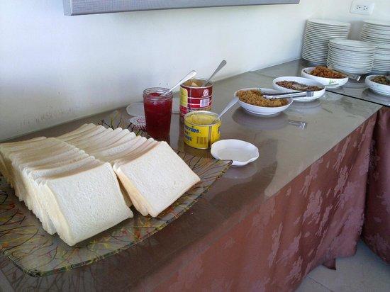 Shui Yang Boatel Hotel : Breakfast