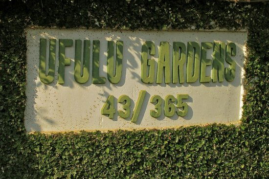 Ufulu Gardens: Sign at the Entrance to Ufulu