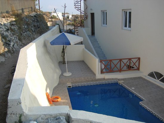 Anemomilos Villa: Swimming Pool