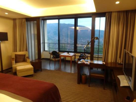 Hyatt Regency Hakone Resort and Spa: Lovely room with good amenities
