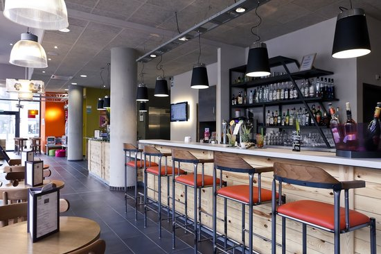 Ibis Styles Lyon Centre - Gare Part Dieu: Hall et Bar