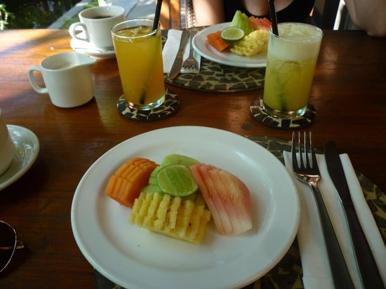 Tonys Villas & Resort: breakfast