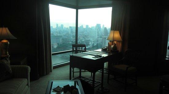 โรงแรมเพนนินซูล่า กรุงเทพ: Writing desk