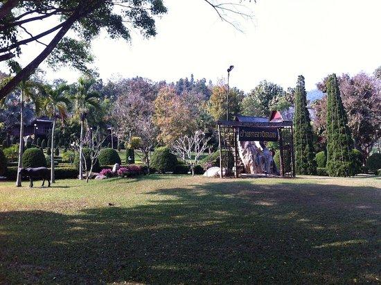 Baan Klang Doi: the main garden