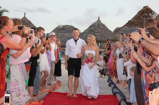 Hotel South Beach Resort Dar Es Salaam: Beach Wedding