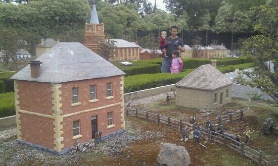 Old Hobart Town Model Village: A walk in isle 2 of 3. 