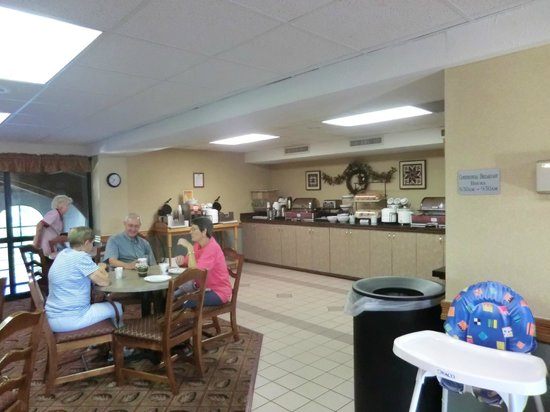 Comfort Inn at Thousand Hills: breakfast area