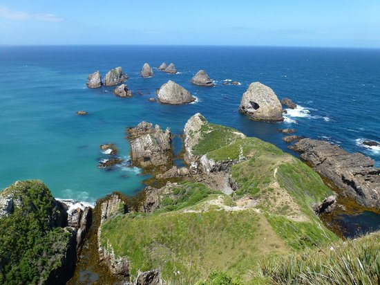 Nugget Point: The view from the lighthouse viewing platform.