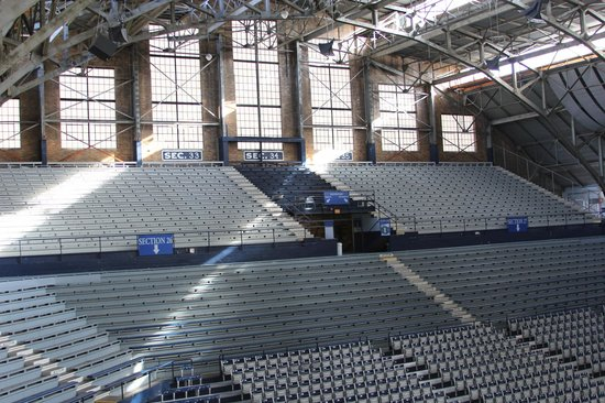 Hinkle Fieldhouse : Upper concourse view