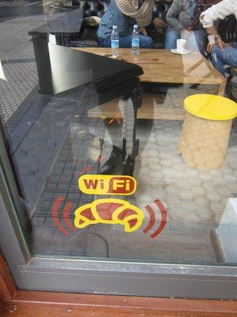 Hogar Dulce Hogar : free Wifi