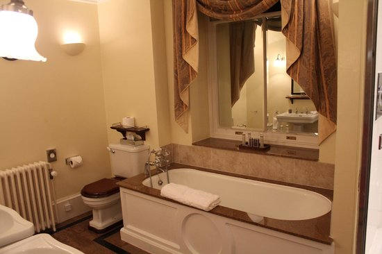Cliveden House: Westminster bathroom
