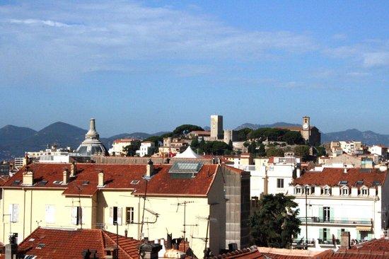 Hotel L'Esterel: ...Vista dalla terrazza per le colazioni...