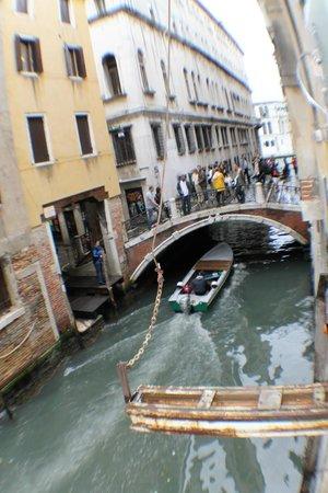 Locanda Ca' Amadi: Vue du canal côté ponte dei tedeschi