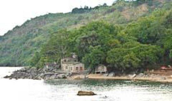 Njaya Lodge: Stone house and Bamboo Bandas from Chikale
