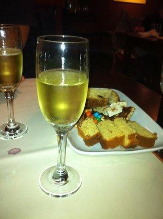 El Cucharon: glass of champagne at NYE