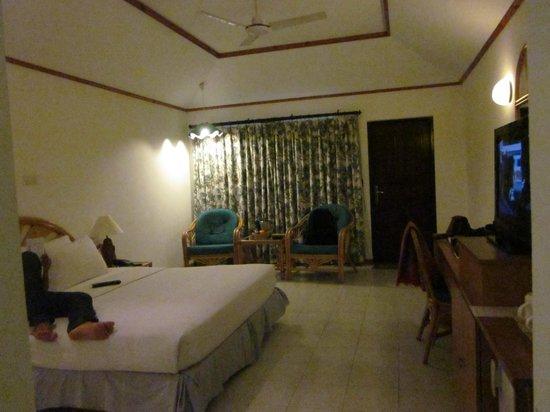 Paradise Island Resort & Spa: Beach Bungalow