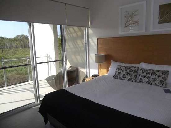 RACV Noosa Resort: Main bedroom