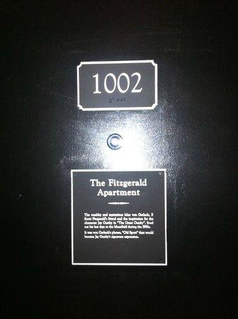 The Mansfield: Stanza 1002