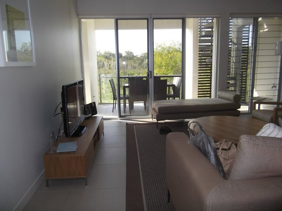 RACV Noosa Resort: Lounge/outside area