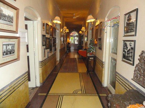 Ranjit's SVAASA : The lobby