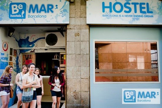 Be Mar  Barcelona Hostel: Best location in the city center!
