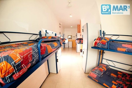 Be Mar  Barcelona Hostel: Air conditioning at all rooms!