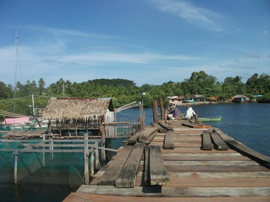 Surigao City, Philippines: day-asan floating village wooden sea path