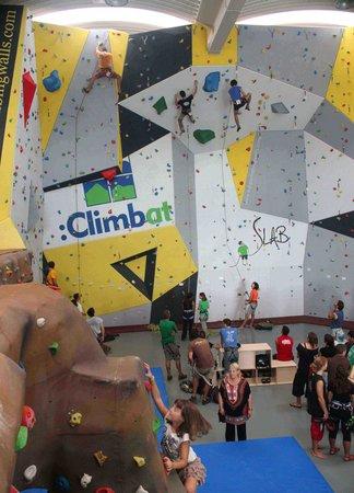 Slab Sala D'escalada - Climbat Slab