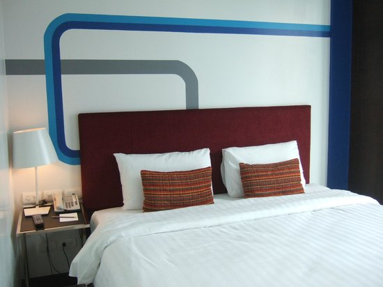 FX Hotel Metrolink Makkasan: comfortable bed