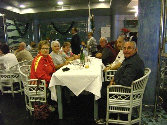 Hotel Portomagno: en el comedor con amigos
