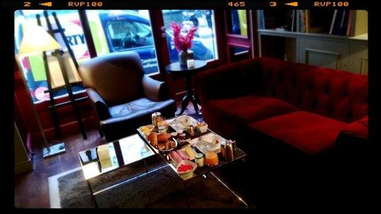 โรงแรมเด อคาเดมี เอ เด อาท: Great Breakfast