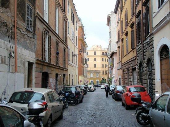 I Capocci: B&B is on a side street - pretty quiet