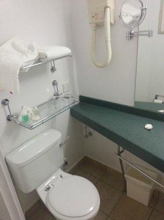 Club Quarters Hotel, Gracechurch : Bathroom