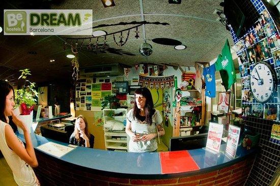 Be Dream Hostel: Reception open 24 hours