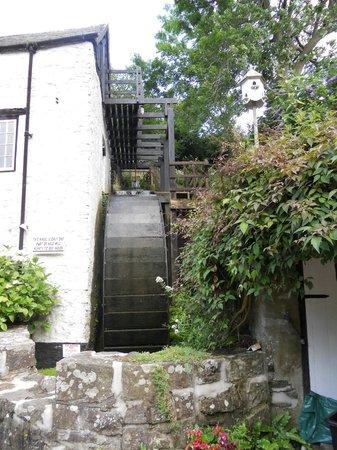 Hele Corn Mill & Tea Room: Mill wheel
