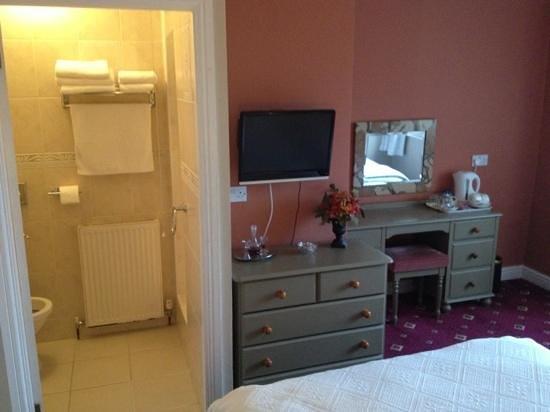 Lonsdale House: Room 4 (shower room)