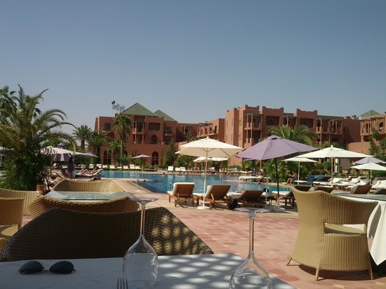 Palm Plaza Marrakech Hotel & Spa: View from poolside bar