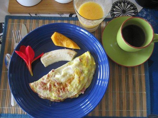 Taura'a Hotel: Breakfast