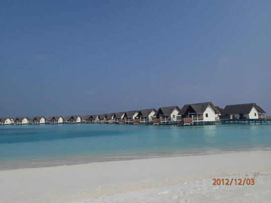 Four Seasons Resort Maldives at Kuda Huraa: Water Villa