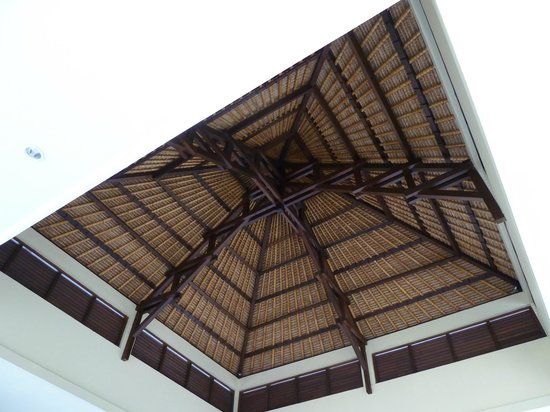 Mercure Resort Sanur: architecture du hall