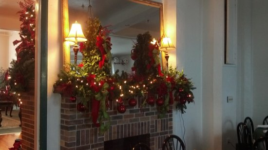 The Hotel Jacaranda: Fire place in Citrus Room Christmas 2012