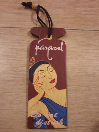 Parasol Inn Hotel by Compass Hospitality: DO NOT disturb sign